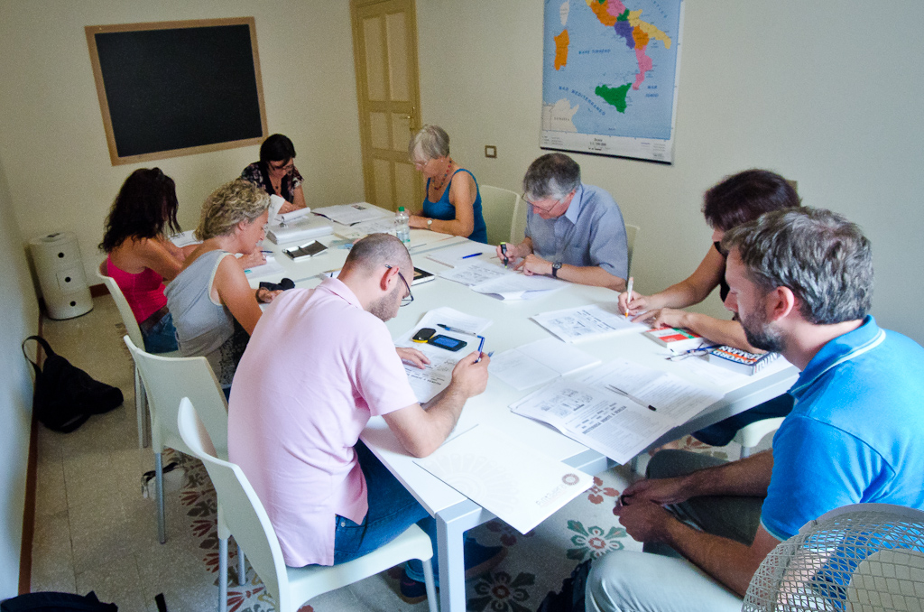 Italian language class at Pintadera in Alghero Sardinia